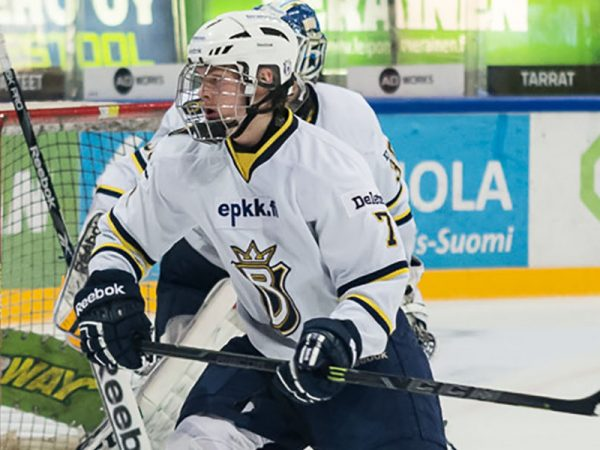 Vaakanainen leads Finland into Hlinka