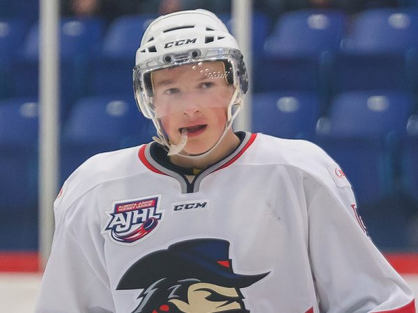 Makar flourishing under draft pressures